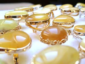 natural amber jewellery Poland